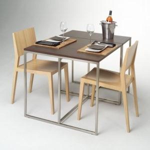 """2 כסאות פינת אוכל ושולחן - אילוסטרציה למאמר ביהמ""""ש אשר: גביית דמי ביטול בשיעור למעלה מ-5% מסכום העסקה בלתי חוקית"""